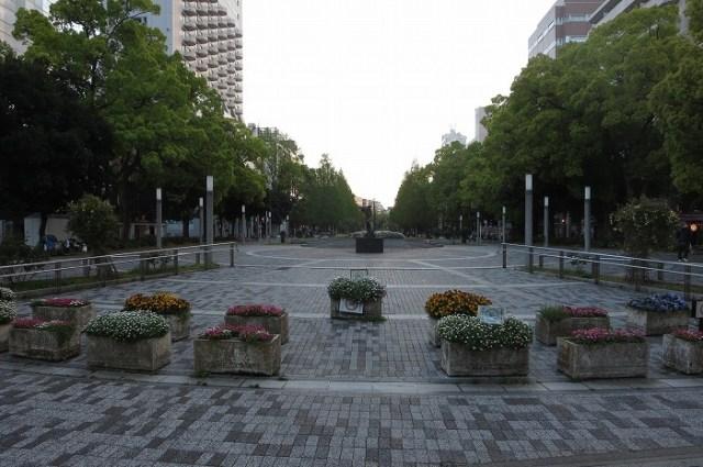 横浜 大通公園入口