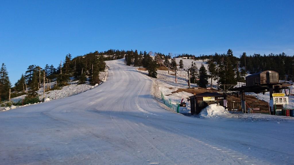 快晴、最高のコースコンディションの横手山・渋峠スキー場です