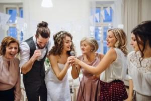 結婚式の余興に向いているゲスト