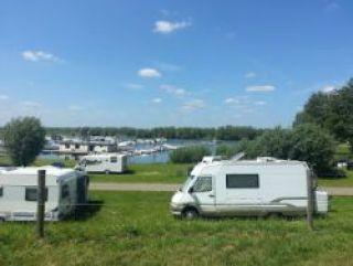 Stellplatz im Hafen/Camping Ijsselstrand