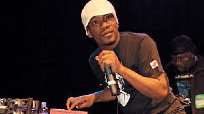 英國饒舌詩人 Loyle Carner 豐富多變的韻腳配上絕妙的爵士韻味/流暢爽快的自省說唱|嘻哈樂迷絕不可忽視的超級新星 10