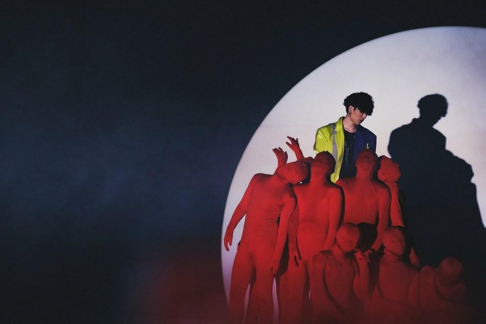 【紅衣人狹持警報】新銳導演與雙導演聯合打造 饒舌實力新人LENZ〈大風吹〉MV發布 6