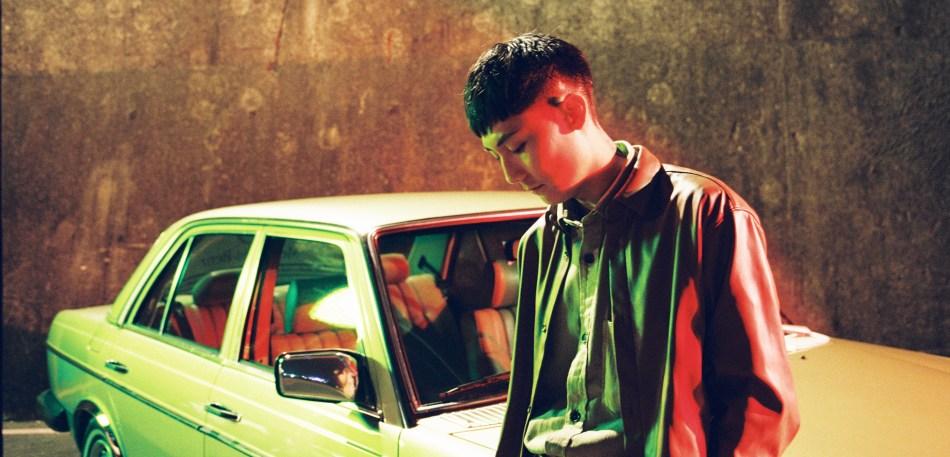 再破百萬點擊!嘻哈饒舌團體臭屁嬰仔《暗班車》聯手Barry Chen 團員聽到音樂成品落下男兒淚。 3