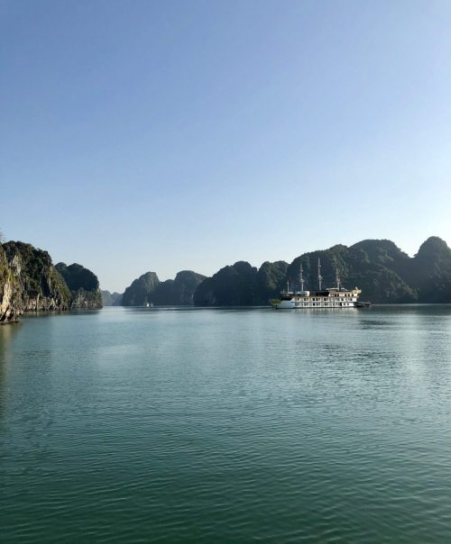 An unforgettable Bai Tu Long Bay cruise (Vietnam)
