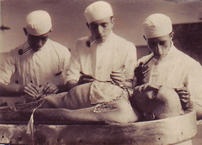 medicina antigua retratada en 12 fotos