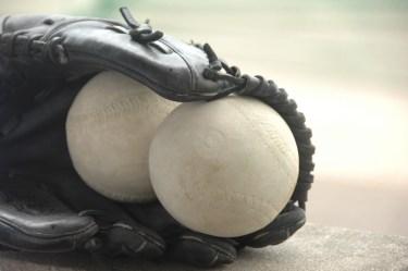 ソフトボールの練習メニューで体育の授業にオススメやコツとは