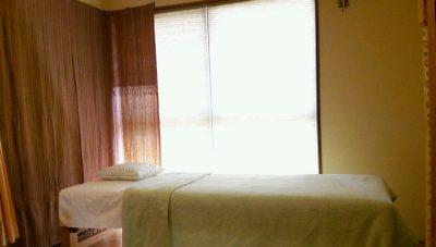 不妊鍼灸よもぎ堂の施術ベッド