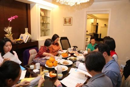 Dorje Palmo Leading Instruction