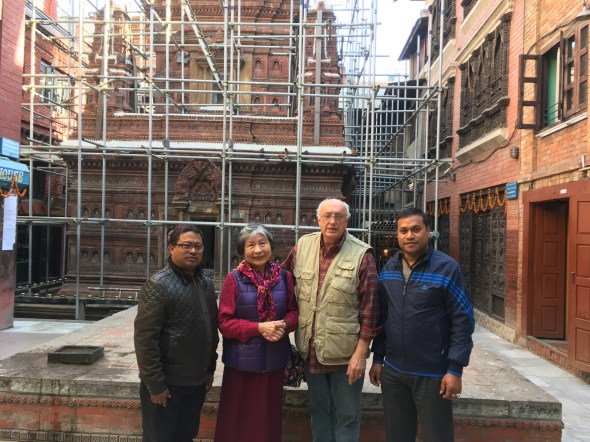 Discussing-reconstruction-at-Mahabuddha-temple