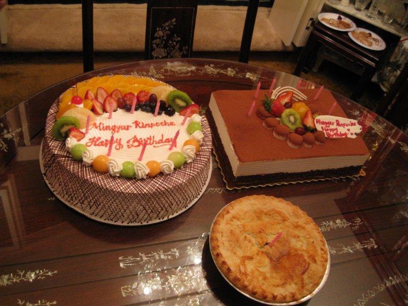 MR_Birthday_Cakes_&_Pie