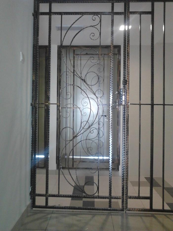 Door-01.jpg