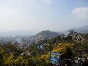 Vista de los barrios periféricos de Katmandú, hacia el suroeste