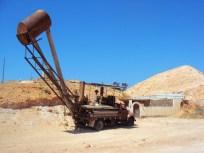Espectro de maquinaria minera abandonada