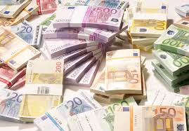 صورة هل تؤدي طباعة النقود الى زيادة الثروة؟
