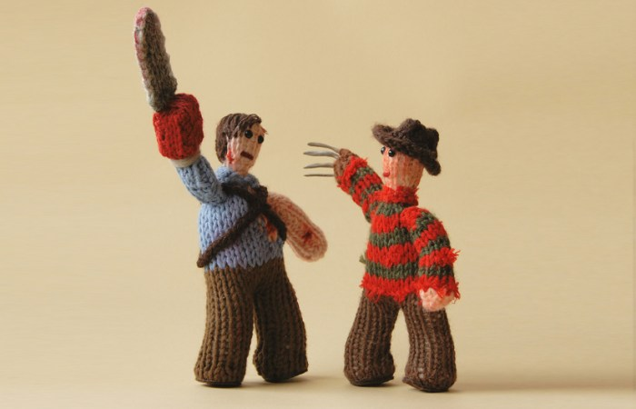 cakeyvoice-knitted-battle