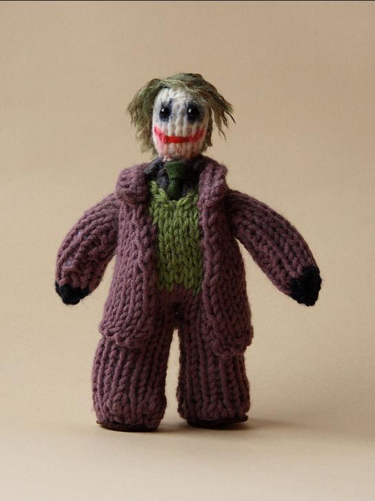 cakeyvoice-knitted-joker