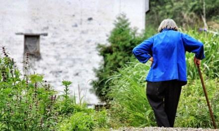 Anciana casi pierde su casa por deuda de seis centavos