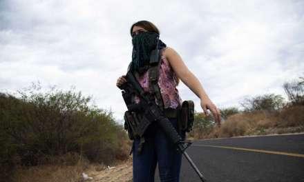Mujeres mexicanas recurren a las armas contra organizaciones criminales