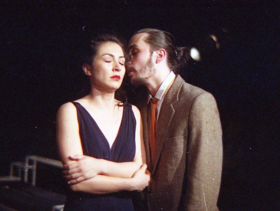 Bianca Cuculici (Estelle) și Paul Radu (Garcin)