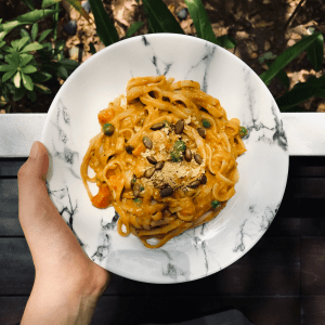 Vegan Cheesy Pumpkin Pasta