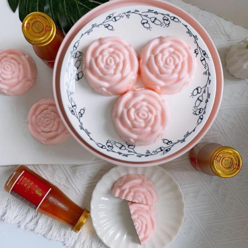 Peach Gum Mooncake