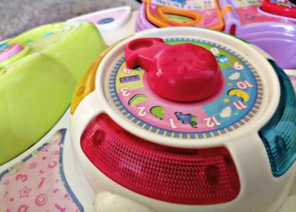 Another feature of the Vtech Play and Learn Activity Table is the interactive clock.