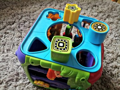 The shape sorter on the Vtech Sort & Discover Activity Cube.