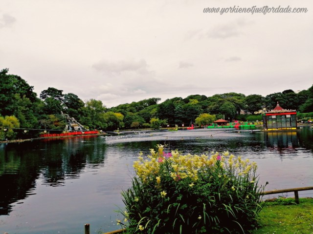 Peasholm Park Lake is such a beautiful site. A great attraction to visit whether you and your partner or with the family.