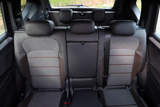 Plenty of space in the 2nd and 3rd row seats in the SEAT Tarraco for the family.