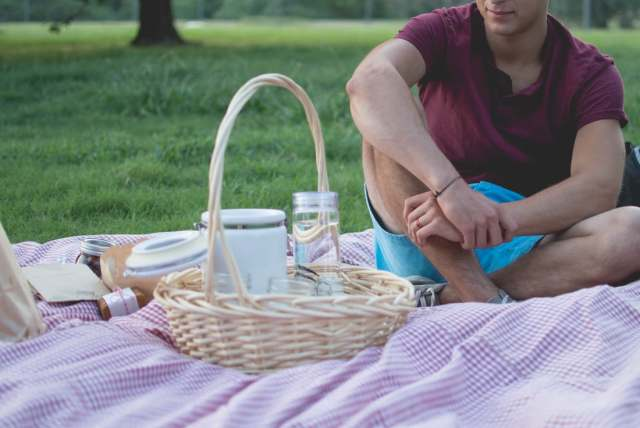 A picnic is one of the most popular daddy daughter date ideas, what child doesn't love a picnic.