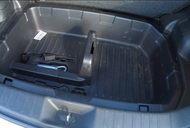 Spacious under boot floor storage space in the boot of the Nissan juke.