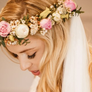 Rachael's flower crown - Photo by Luna Photography