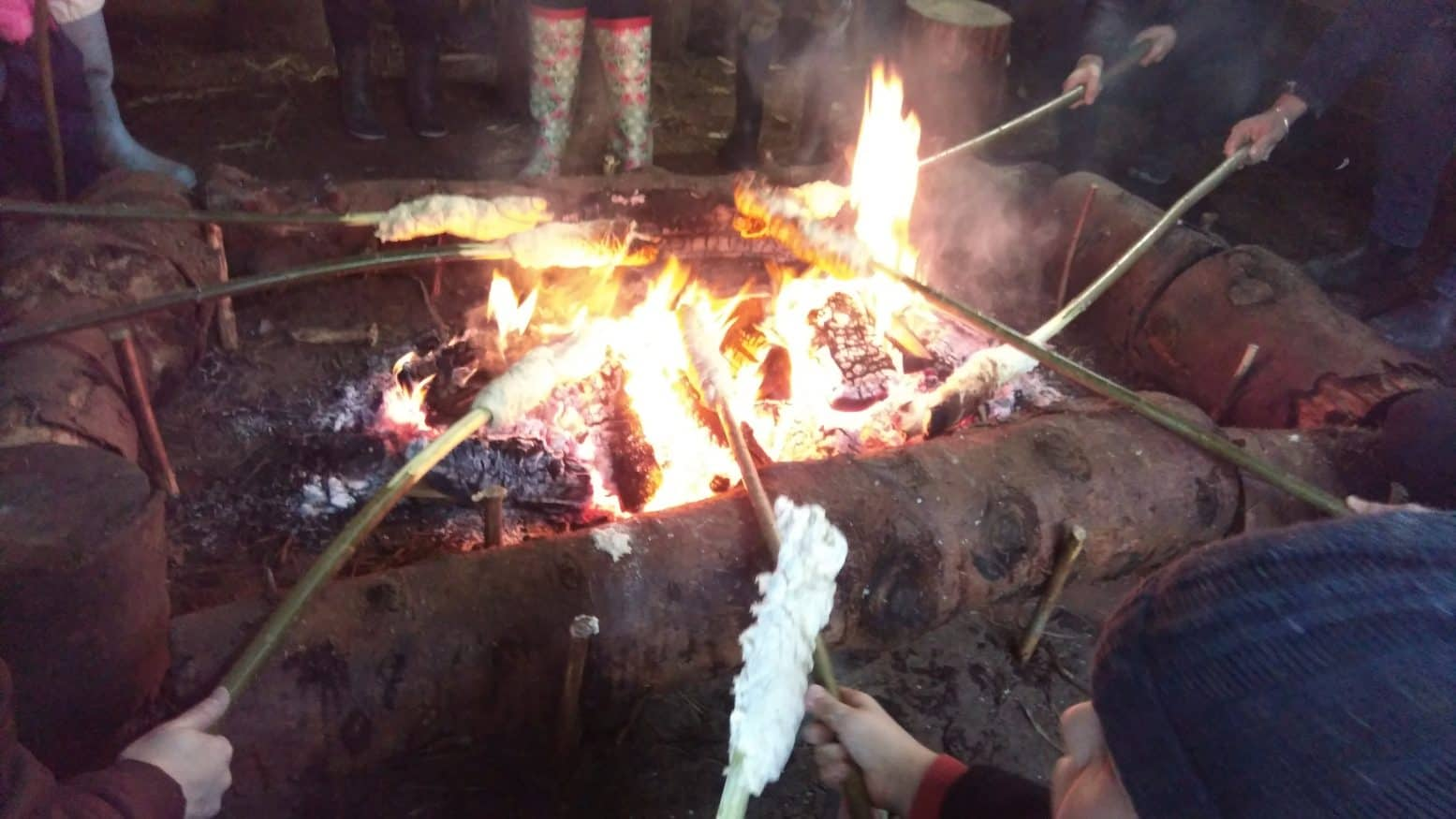 Outdoor Baking with the Woodland Adventure Company