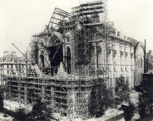 42_cath_west_front_with_construction