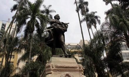 Mi Cali Bonita celebra el Mes del Patrimonio y el Turismo en la vigésima Feria de la Plaza Cayzedo