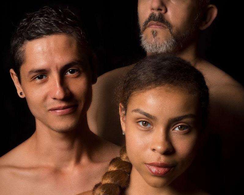 Grupo de teatro LA ESCENA PRESENTA: CECILIA PARA DOS