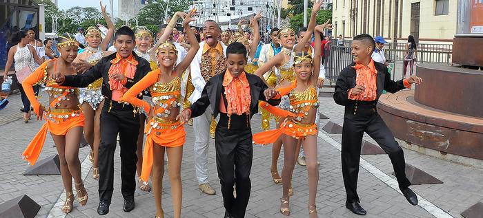 A ritmo de salsa estilo caleño, más de 1.000 niños bailarán en el cumpleaños de Cali