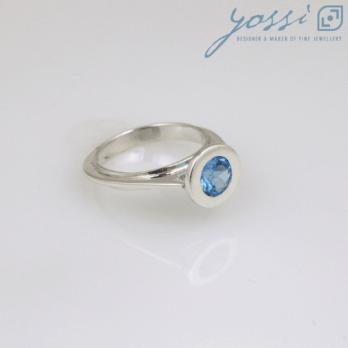 Graceful Sterling Silver Blue Topaz Ring