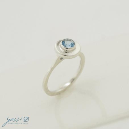 Simple Blue Topaz Ring 3