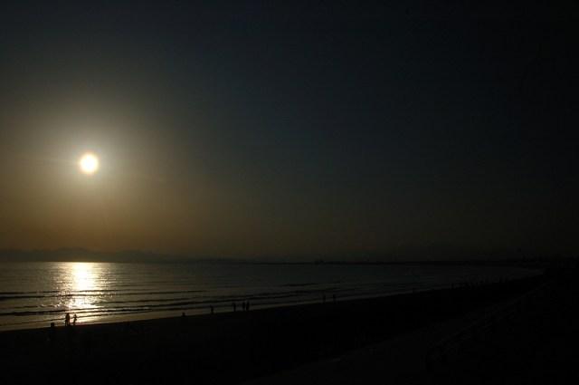 逆光の江ノ島 2