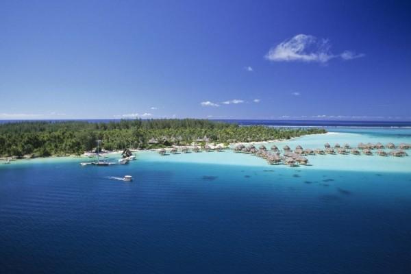 Pearl Beach Resort, Bora Bora | Deluxe-EscapesDeluxe-Escapes