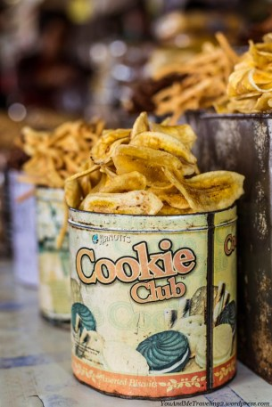 indonesia market banana chips