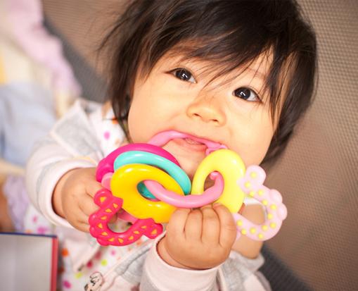 Kesihatan gigi bayi anda adalah topik yang menarik