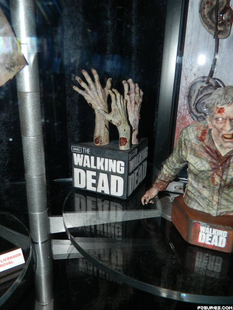 SDCC 2013 Gentle Giant Booth Photos The Walking Dead