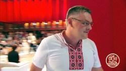 Опиздюленые : Украинский эксперт получил по голове в прямом эфире (Видео)