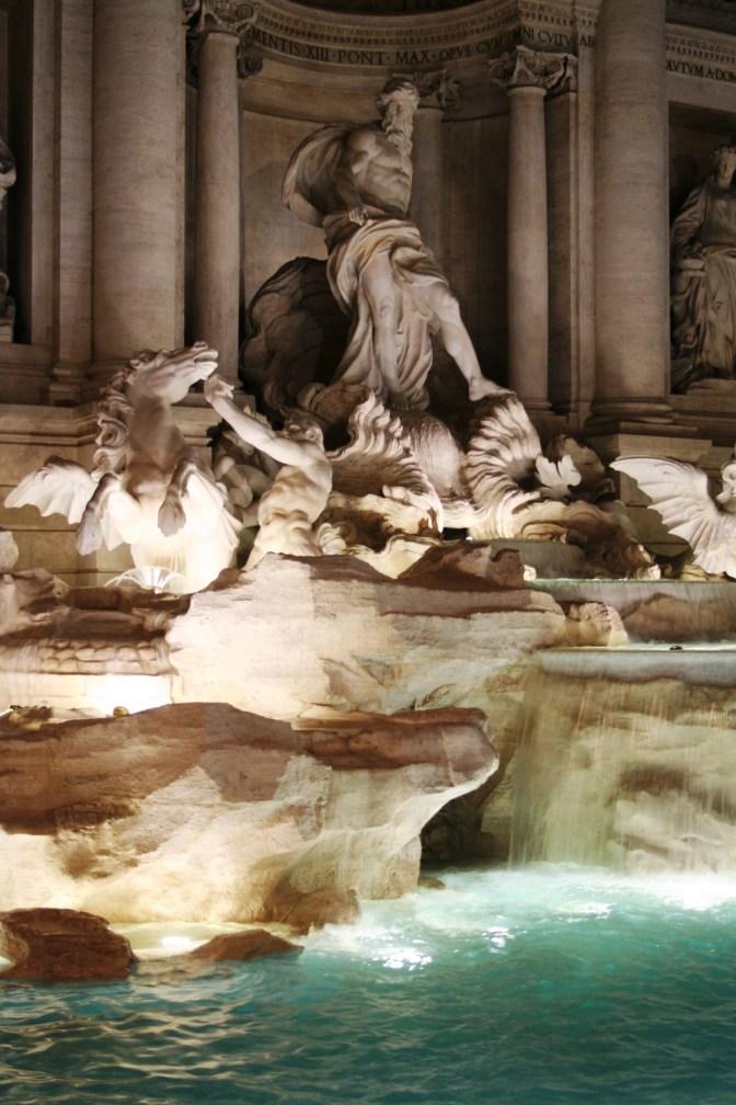 Et on fini cette petite journée par la fontaine de Trevi ! On a de la chance elle vient juste d''ere néttoyée !