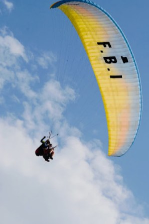 tandem paraglide ski les 3 vallées on a budget