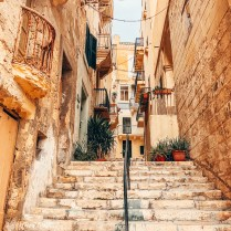 malta steps How To Travel Around Malta On A Budget