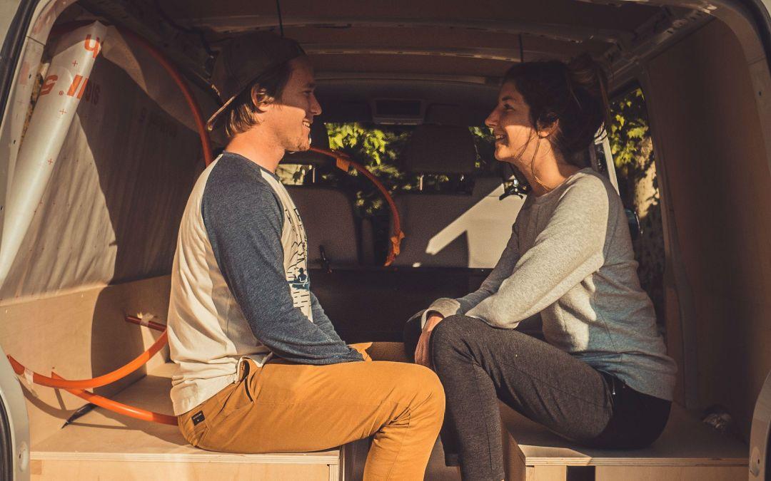 Bastien et Léna @vanetcie : graphiste et vidéaste amoureux (de voyage)