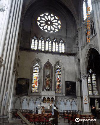 eglise du sacre coeur travel guidebook
